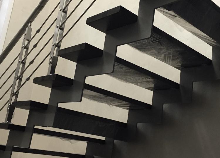 Изготовление прямых маршевых лестниц в Новосибирске